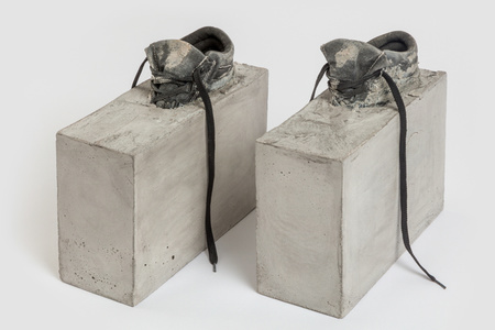"Teresa Braula Reis' ""White Helmet"" Discreet Objects"