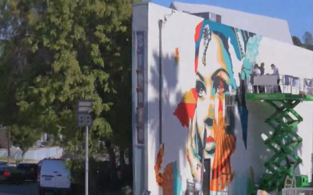 "Shepard Fairey & Vhils: ""American Dreamers"" Up Against The Wall in Silver Lake"